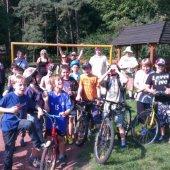 Kostkowe świętowanie - ministranci na wycieczce rowerowej